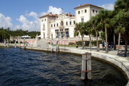 Primer dia en Miami:@Coconut Grove, @Coral Gables, Museo Vizcaya, acuario de Miami,@Crandon Park,@Bill Baggs Cape Florida State Park