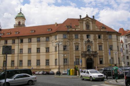 Segundo dia por Praga: Plaza de la Ciudad, Iglesia de Nuestra Señora y Clementinum