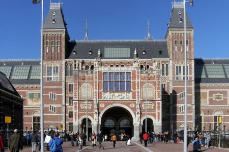 Begijnhof y recorriendo la zona del Museumplein