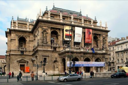 Itinerario por el Castillo de Buda, Iglesia de San Matias, Plaza de los Héroes y acabando con la Opera de Budapest