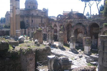 Llegada a Roma, visitando el casco antiguo