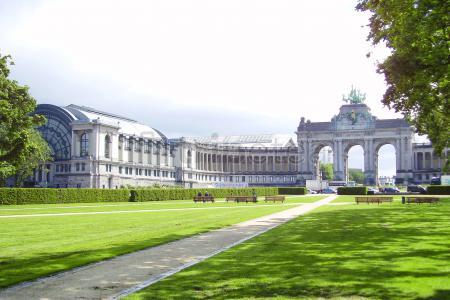 Mañana por el Barrio Europeo , tarde por el Palacio de la Justicia y acabando con la Grand Place